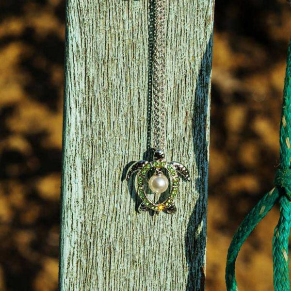 Green Turtle Necklace With Pear